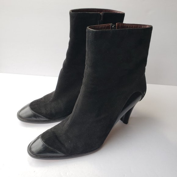 """Tod's beautiful black soft suede 3.5"""" heeled boots"""
